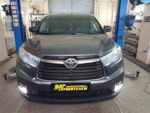 Замена каталитических нейтрализаторов Toyota Highlander 3.5